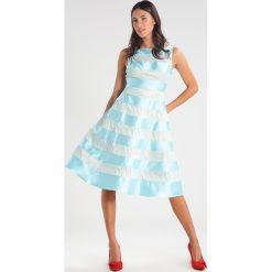 Sukienki hiszpanki: Adrianna Papell Sukienka koktajlowa aqua glass
