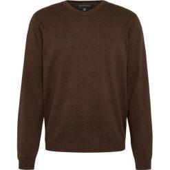 Finshley & Harding - Sweter męski z dodatkiem kaszmiru, brązowy. Czarne swetry klasyczne męskie marki Finshley & Harding, w kratkę. Za 229,95 zł.