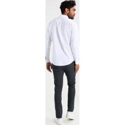 Koszule męskie na spinki: DOCKERS OXFORD SLIM FIT Koszula white