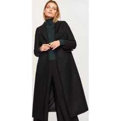 Wełniany płaszcz - Czarny. Czarne płaszcze damskie wełniane marki Reserved. Za 599,99 zł.