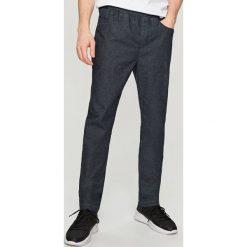 Rurki męskie: Spodnie slim z elastyczną talią – Granatowy