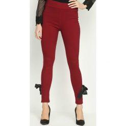 Spodnie damskie: Bordowe Legginsy Linking