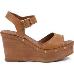 Rzymianki damskie: Sandały skórzane na koturnie Edelys