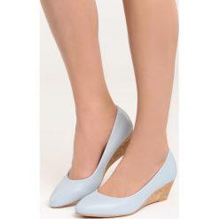 Niebieskie Koturny Rule the World. Niebieskie buty ślubne damskie marki Born2be, na niskim obcasie, na koturnie. Za 79,99 zł.