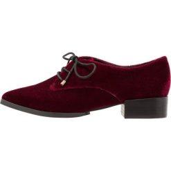 Buty ślubne damskie: Buffalo Czółenka sznurowane red