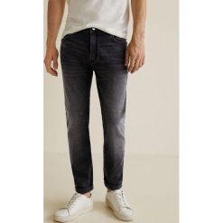 Mango Man - Jeansy Jan3. Czarne jeansy męskie slim Mango Man, z aplikacjami, z bawełny. Za 139,90 zł.