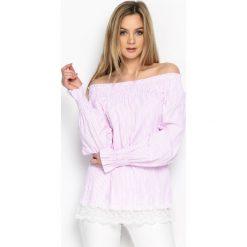 Różowa Bluzka Naked Shoulders. Czerwone bluzki z odkrytymi ramionami marki Born2be, m, z koronki. Za 49,99 zł.