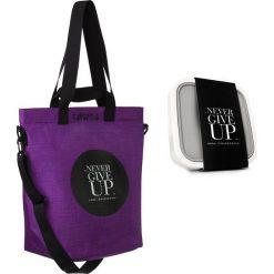 Torba Cargo Never Give Up i lunchbox GoEat w zestawie Healthy Plan by Ann. Niebieskie shopper bag damskie Healthy Plan by Ann, w paski, z bawełny, przez ramię. Za 369,00 zł.