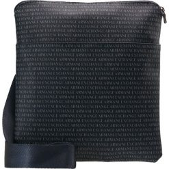Armani Exchange Torba na ramię navy. Czarne torby na ramię męskie marki Armani Exchange, l, z materiału, z kapturem. Za 439,00 zł.