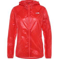 The North Face FLIGHT Kurtka do biegania juicy red. Czerwone kurtki damskie marki The North Face, m, z materiału, do biegania. W wyprzedaży za 503,20 zł.