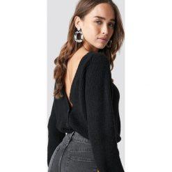NA-KD Trend Sweter z odkrytymi plecami - Black. Czarne swetry klasyczne damskie NA-KD Trend, z dzianiny. Za 161,95 zł.