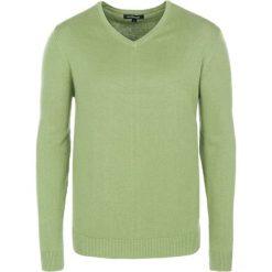 Swetry klasyczne męskie: Sweter w kolorze jasnozielonym