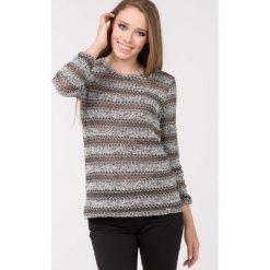 Swetry klasyczne damskie: Sweter z plecionym wzorem