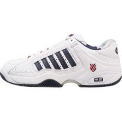 KSWISS DEFIER RS Obuwie multicourt white/dress blue/fiery red. Białe buty do tenisa męskie marki K-SWISS. Za 549,00 zł.