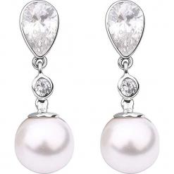 Srebrne kolczyki-wkrętki z cyrkoniami i perłami. Szare kolczyki damskie Julie & Grace, z cyrkonią, srebrne. W wyprzedaży za 127,95 zł.