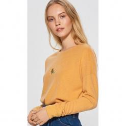 Lekki sweter - Żółty. Żółte swetry klasyczne damskie marki Mohito, l, z dzianiny. Za 49,99 zł.