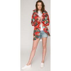 Calvin Klein Jeans - Szorty. Szare szorty jeansowe damskie Calvin Klein Jeans, casualowe. W wyprzedaży za 339,90 zł.