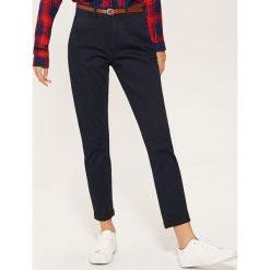 Spodnie typu chino - Granatowy. Niebieskie chinosy damskie House. Za 89,99 zł.