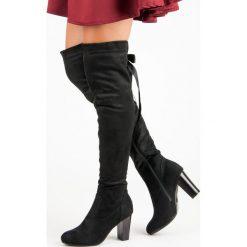 ELEGANCKIE MUSZKIETERKI NA OBCASIE. Czarne buty zimowe damskie Forever Folie, na obcasie. Za 127,90 zł.