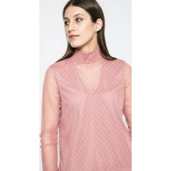 Vero Moda - Bluzka. Różowe bluzki asymetryczne Vero Moda, l, z elastanu, casualowe, ze stójką, z krótkim rękawem. W wyprzedaży za 49,90 zł.