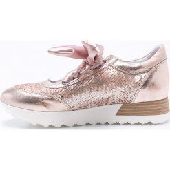 CheBello - Buty. Czerwone buty sportowe damskie marki CheBello, z materiału. W wyprzedaży za 179,90 zł.