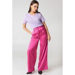 NA-KD Basic T-shirt basic - Purple. Różowe t-shirty damskie marki NA-KD Basic, z bawełny. W wyprzedaży za 37,07 zł.