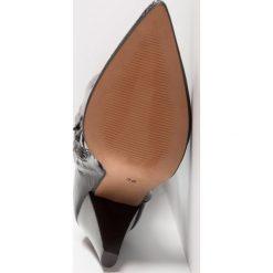 Topshop BOXER Muszkieterki black. Czarne buty zimowe damskie marki Topshop, z materiału. W wyprzedaży za 353,40 zł.