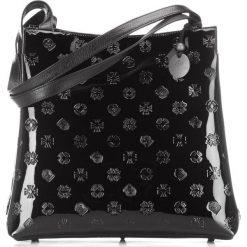 Torebka damska 34-4-082-1L. Czarne torebki klasyczne damskie marki Wittchen, z tłoczeniem. Za 799,00 zł.