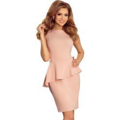 Różowa Sukienka Ołówkowa bez Rękawów z Asymetryczną Baskinką. Różowe sukienki asymetryczne marki numoco, l, z dekoltem w łódkę. Za 129,90 zł.