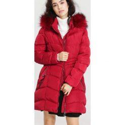 Czerwona Kurtka Winter Talk. Brązowe kurtki damskie zimowe marki QUECHUA, m, z materiału. Za 229,99 zł.