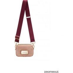 Torebka NOA Powder Pink z materiałowym paskiem. Różowe torebki klasyczne damskie Pakamera, z materiału. Za 185,00 zł.