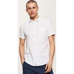 Koszula z mikronadrukiem - Biały. Białe koszule męskie marki Reserved, l. Za 79,99 zł.