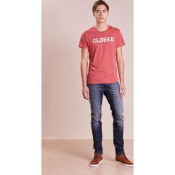 T-shirty męskie z nadrukiem: CLOSED Tshirt z nadrukiem vermillion
