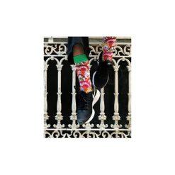 Skarpety KOLOROWA MANGA. Czarne skarpetki męskie marki Wolne skarpetki, w kolorowe wzory, z bawełny. Za 12,00 zł.