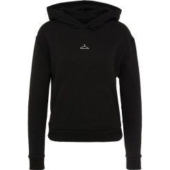 Holzweiler HANGON  Bluza z kapturem black. Czarne bluzy rozpinane damskie Holzweiler, l, z bawełny, z kapturem. Za 689,00 zł.
