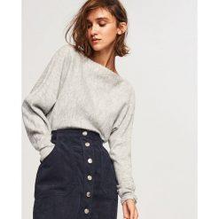 Odzież damska: Sweter z zabudowanym dekoltem - Jasny szar