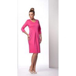 Elegancka sukienka tulipan fuksja ANNETTE. Czerwone sukienki balowe marki Lemoniade, tulipan. Za 94,90 zł.