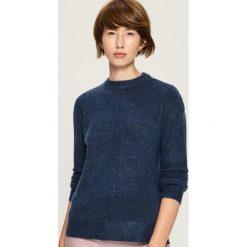 Sweter z wycięciem na plecach - Niebieski. Niebieskie swetry klasyczne damskie marki Sinsay, l, z dekoltem na plecach. Za 59,99 zł.