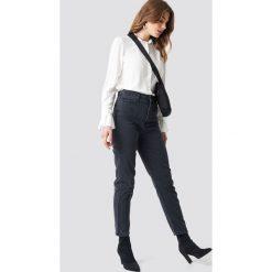 Spodnie damskie: Trendyol Jeansy mom z wysokim stanem - Black