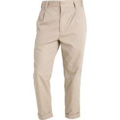 Spodnie męskie: Carhartt WIP TAYLOR BENSON Chinosy wall rigid