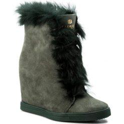 Botki BADURA - 8154-69-L C.Zielony 1216. Zielone buty zimowe damskie Badura, z materiału, na obcasie. W wyprzedaży za 349,00 zł.