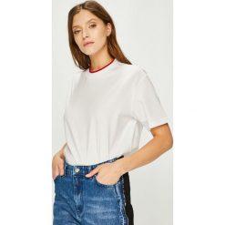 Calvin Klein - Top. Szare topy damskie marki Calvin Klein, l, z bawełny, z okrągłym kołnierzem. Za 279,90 zł.