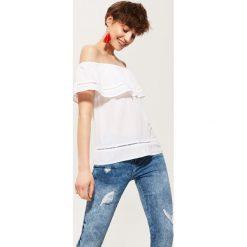Bluzki asymetryczne: Bluzka typu hiszpanka - Biały