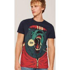 T-shirt z niedźwiedziem - Granatowy. Niebieskie t-shirty męskie House, l. Za 49,99 zł.