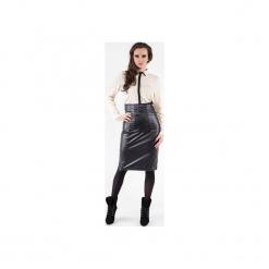 Spódnica z zaszewkami z eko skóry SL6052. Czarne spódniczki skórzane marki Soleil, dopasowane. Za 129,00 zł.