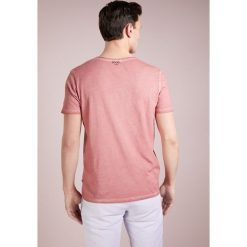 JOOP! Jeans CLIFF Tshirt basic rosa. Czerwone koszulki polo JOOP! Jeans, l, z bawełny. Za 249,00 zł.