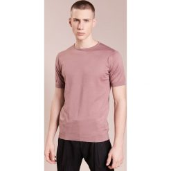 John Smedley BELDEN Tshirt basic pleat pink. Czerwone t-shirty męskie John Smedley, m, z bawełny. W wyprzedaży za 365,40 zł.