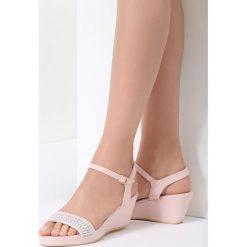 Różowe Sandały Like I Do. Czerwone sandały damskie vices, z materiału, na koturnie. Za 69,99 zł.