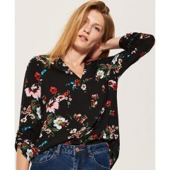 Bluzki damskie: Bluzka w kwiaty - Czarny