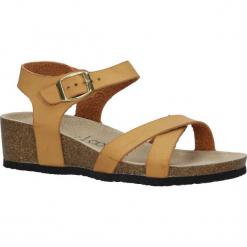 Camelowe sandały ze skórzaną wkładką na koturnie z korka Casu B18X5/C. Brązowe sandały damskie Casu, na koturnie. Za 39,99 zł.
